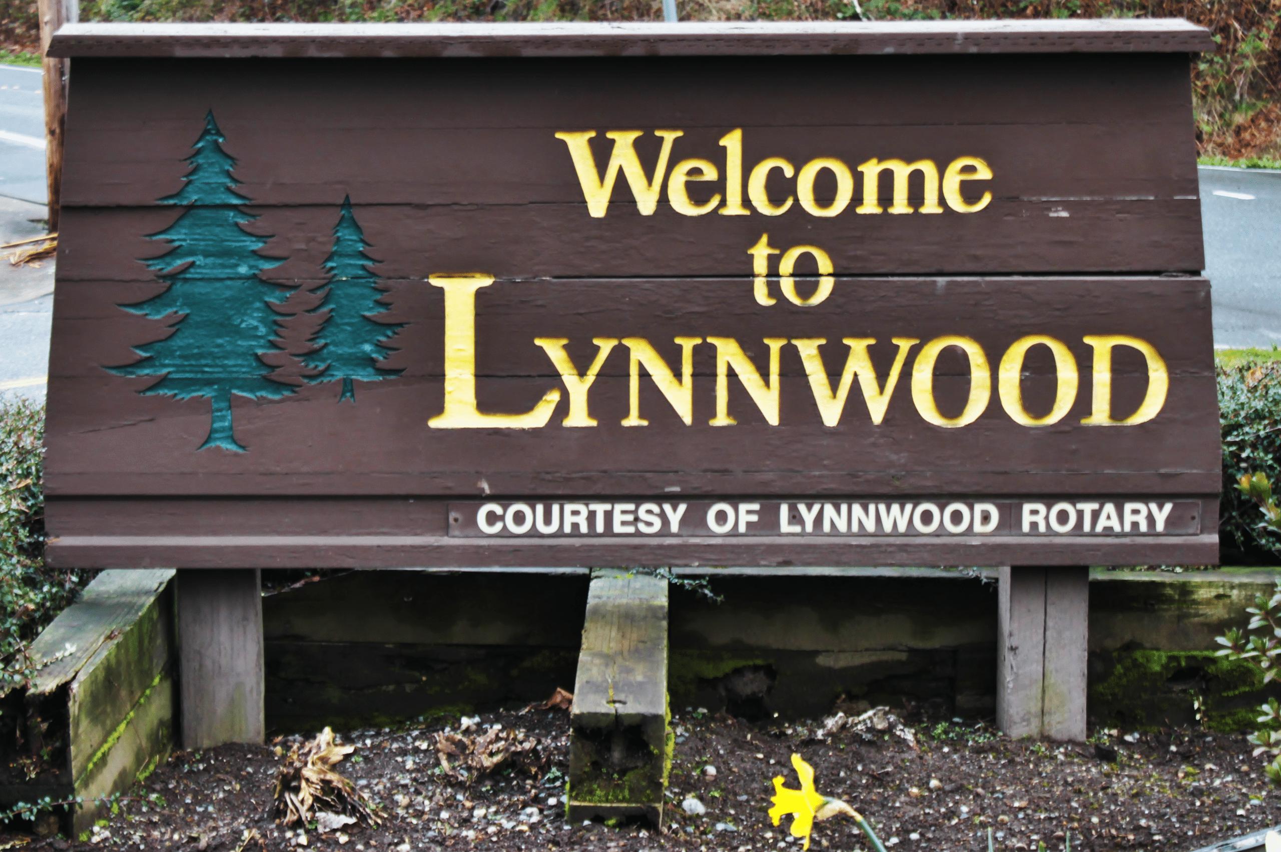 Lynnwood,_WA_welcome_sign.jpg