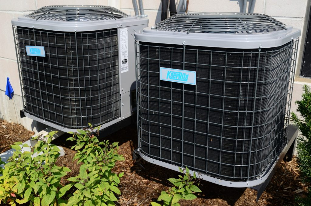 air-conditioner-problems-1024x678